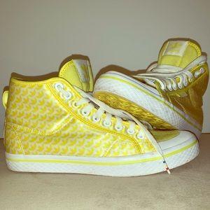 ⚡️⚡️AMAZING yellow and white Adidas HIGHTOPS ⚡️⚡️